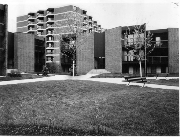 When it was completed in 1979, Atrium Village was on the cutting edge of government-subsidized housing. - SUN-TIMES PRINT COLLECTION
