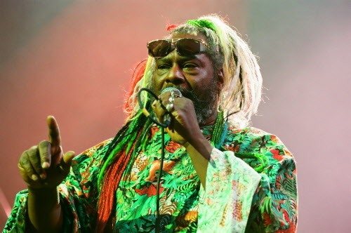 George Clinton performs at the Riviera in 1996. - CHICAGO SUN-TIMES
