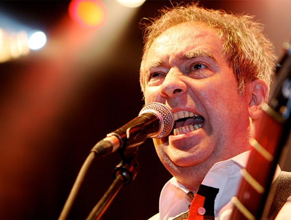 Pete Shelley of Buzzcocks in 2009 - ALTERNA2