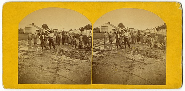Stereoscope of slave quarters - THE HISTORIC NEW ORLEANS COLLECTION
