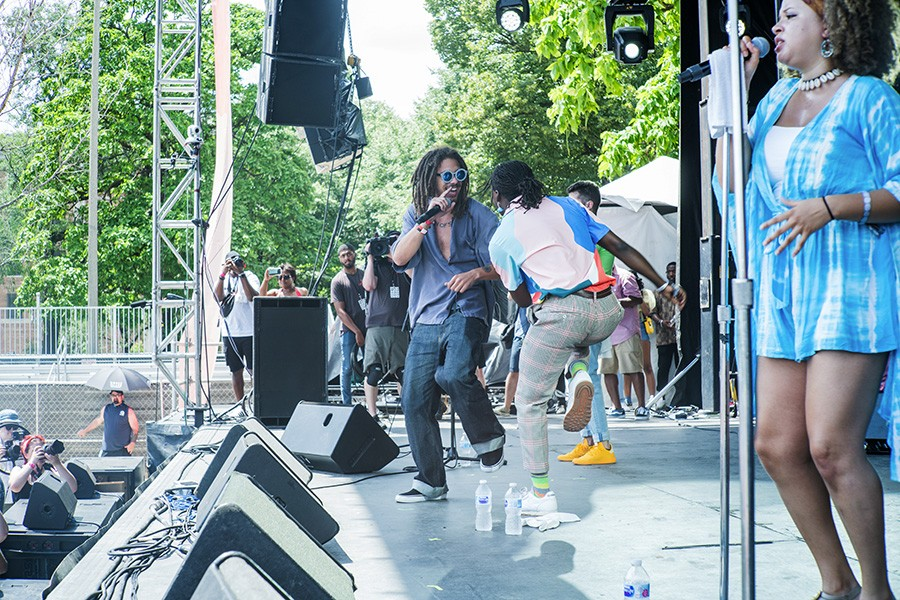 Kweku Collins and Ric Wilson perform together during Wilson's Pitchfork performance - TIM NAGLE