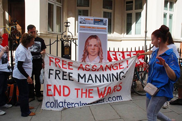 If mainstream media outlets are protected by the First Amendment, then why aren't Assange and Manning? - VERTIGOGEN / FLICKR