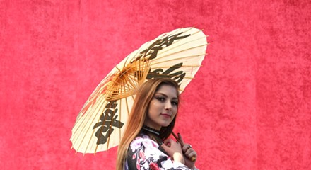 At this year's Ginza Holiday, a lesson in <i>kitsuke</i>, the art of wearing a kimono