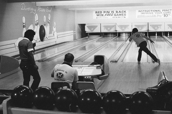 best_bowling_alley-diversey_river_bowl.jpg