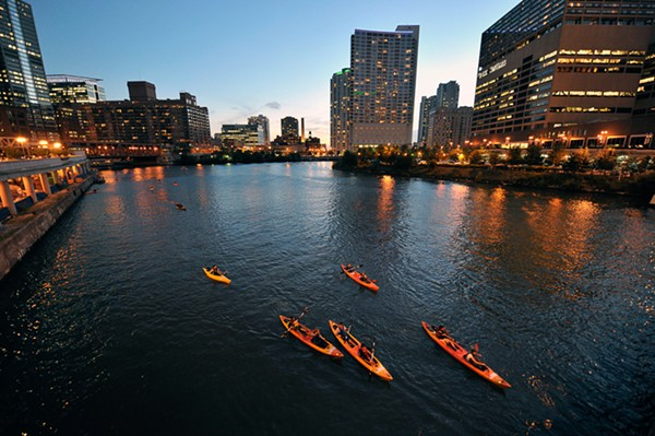 best_kayak_rental-chicago_river_canoe_kayak-2.jpg