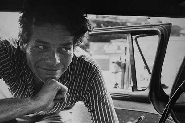 garry-winogrand-all-things-are-photographable.jpg