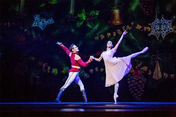Greig Matthews and Anais Bueno in Joffrey's 2018 production of The Nutcracker