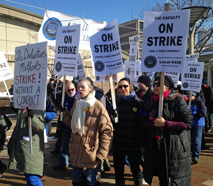 Full-time tenured and non-tenured faculty at UIC prepare for a 2014 strike. - STEFANO ESPOSITO/SUN-TIMES