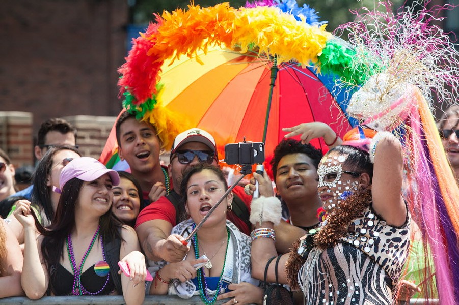 Paradegoers at the 2015 Chicago Gay Pride Parade - JAMES FOSTER/FOR SUN-TIMES MEDIA
