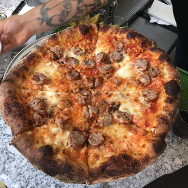 Sausage and onion, Robert's Pizza Company - MIKE SULA