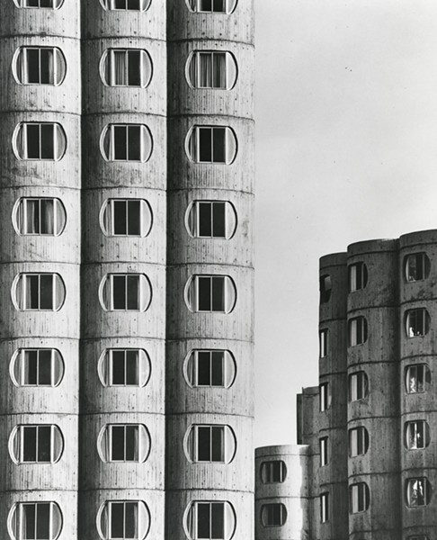 Completed in 1966, the Raymond Hilliard Homes were the CHA's final attempt at high-rise public housing. - ORLANDO CABANBAN/AIC RYERSON & BURNHAM LIBRARIES