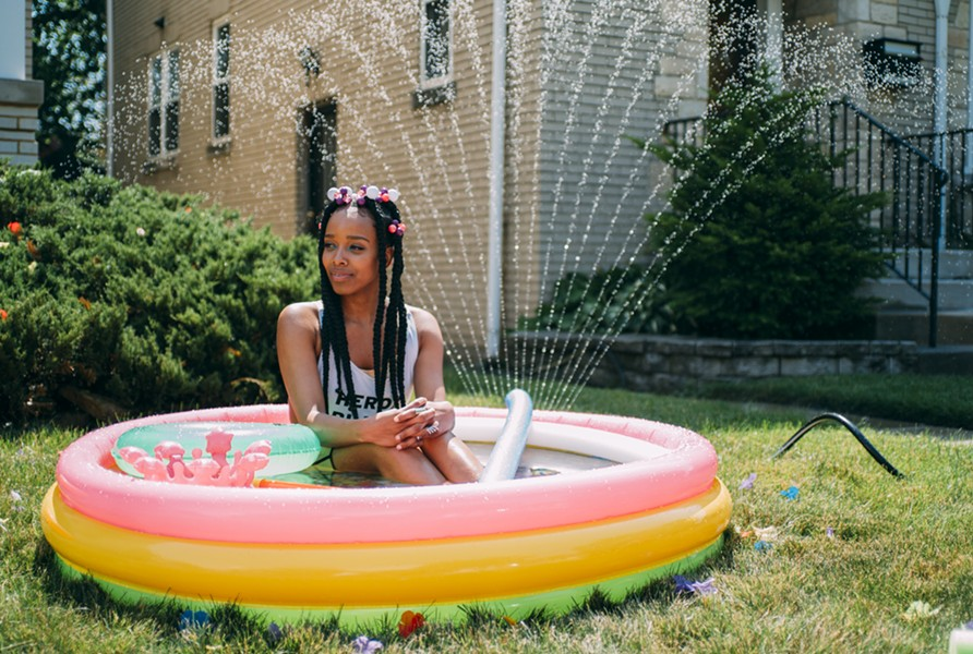 "Jamila Woods on the set of her new ""LSD"" video - GREG STEPHEN REIGH / VAM"