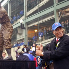 Ernie Banks at Wrigley Field in 2008, when his statue was unveiled
