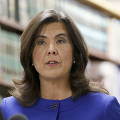 Cook County state's attorney Anita Alvarez talks to reporters after the bond hearing for Chicago police officer Jason Van Dyke, charged with the murder of 17-year-old Laquan McDonald