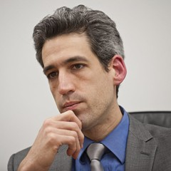 Illinois state senator Daniel Biss speaking to the Sun-Times editorial board in 2014