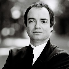 Virtuosic Russian pianist Alexander Melnikov makes his solo debut in Chicago with a performance of Shostakovich's epic 24 Preludes and Fugues