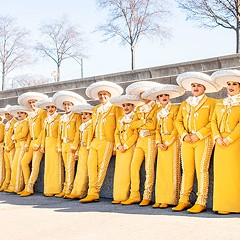 Mariachi Herencia de Mexico turns Chicago schoolkids into chart-busting stars