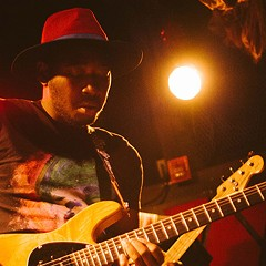 Guitarist and soul singer Isaiah Sharkey warms Chicago up for his next album