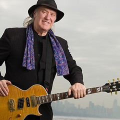 Kinks guitarist Dave Davies continues to stake his claim as a rawk god at age 72