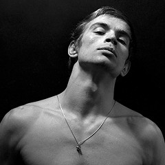 Nureyev tells the epic story of the dancer's extraordinary life and tumultuous times