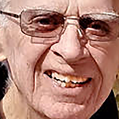 Jim Shiflett, a pioneer of Chicago off-Loop theater, died December 16.
