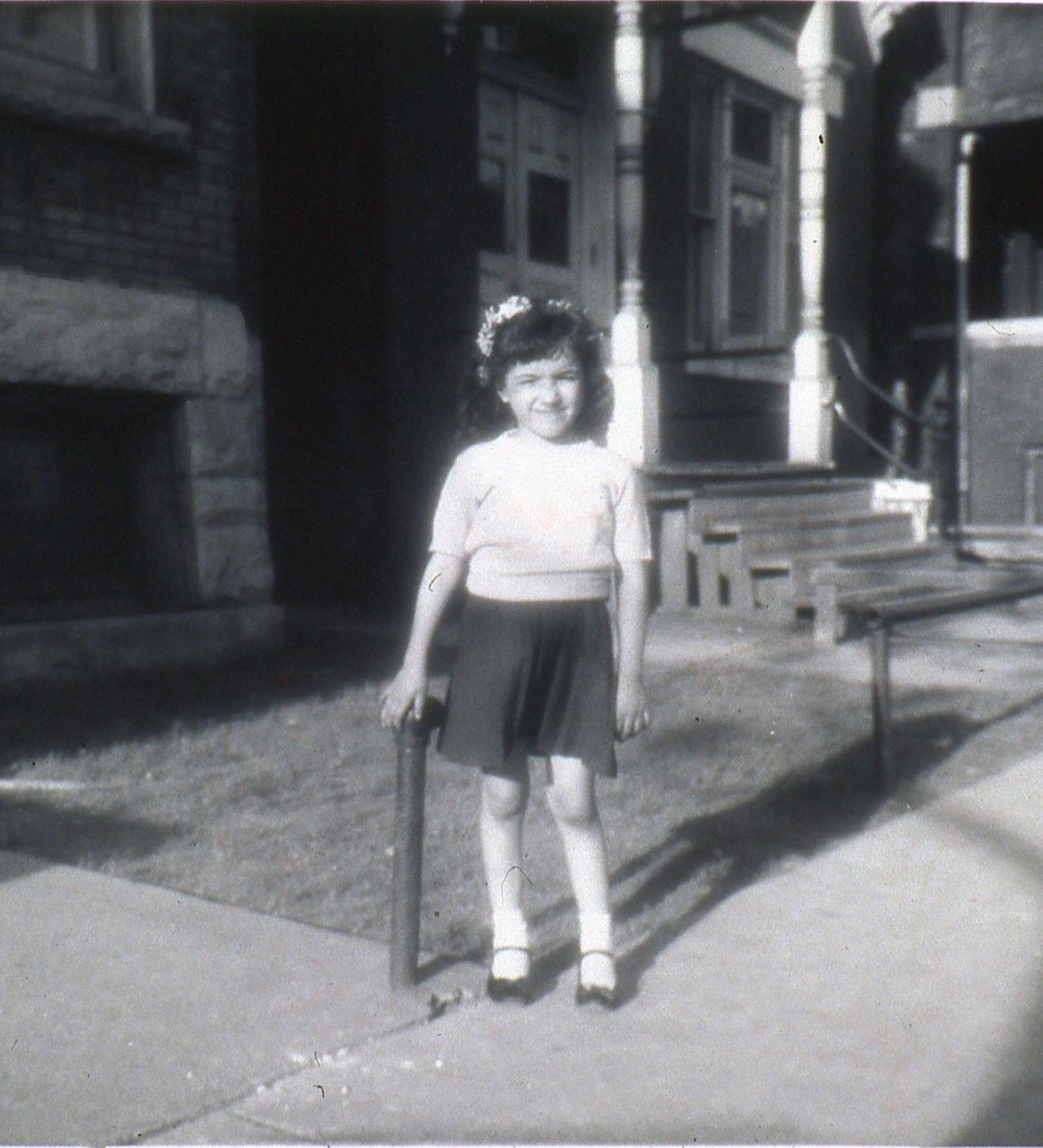 sandra cisneros comes home lit feature chicago reader click to enlarge cisneros as a child in front of the chicago residence that informed the house on mango