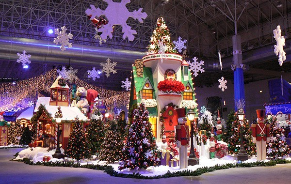 You could be walking in a winter wonderland inside Navy Pier. - RICHARD YUAN VIA FLICKR