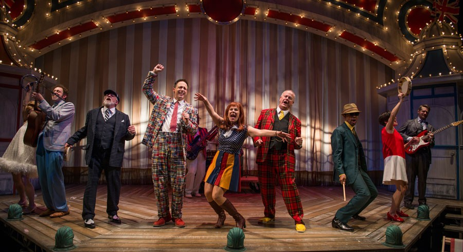Court Theatre's One Man, Two Guvnors - MICHAEL BROSILOW