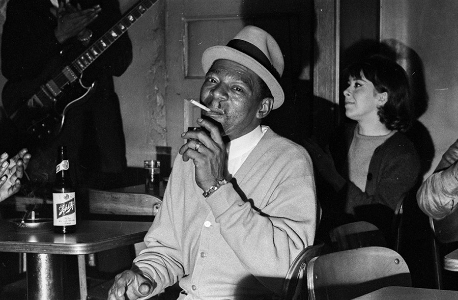 Little Walter at Theresa's Lounge in October 1965 - CHICAGO HISTORY MUSEUM