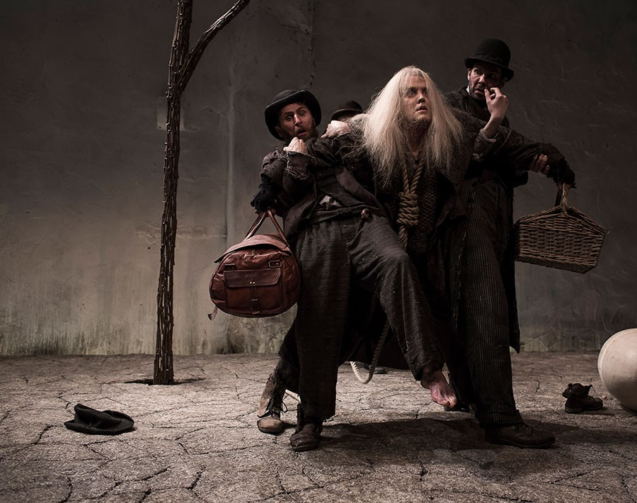 The lack of one true meaning in the play waiting for godot by samuel beckett