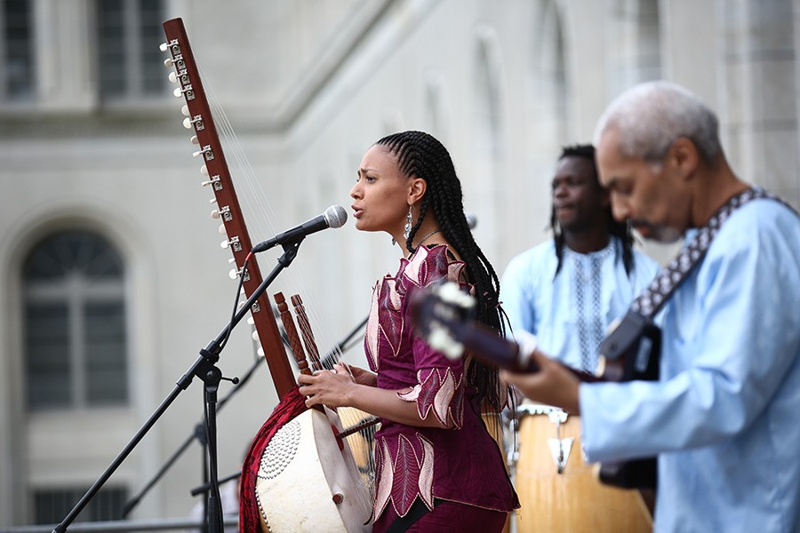 Sona Jobarteh and her band at the WTO's Aid for Trade Global Review in 2017 - JAY LOUVION/WORLD TRADE ORGANIZATION