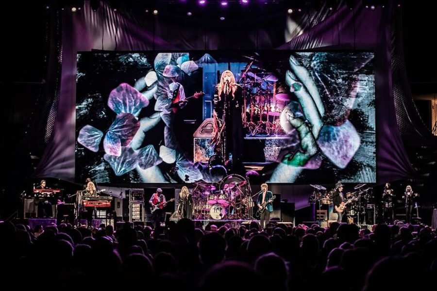 Fleetwood Mac at the United Center, from left to right: Christine McVie, John McVie, Stevie Nicks, Mick Fleetwood, Neil Finn, and Mike Campbell - PHIL CLARKIN