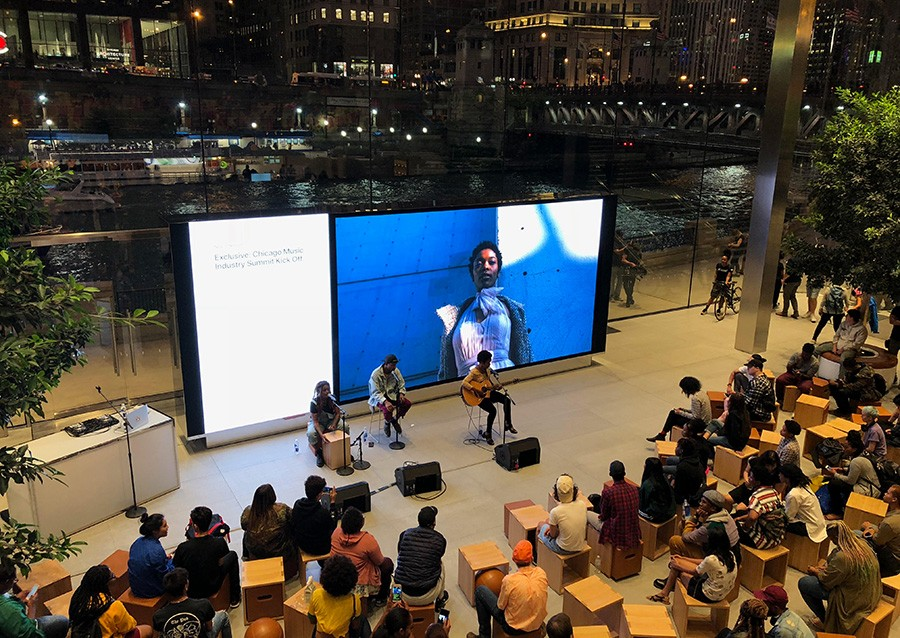 Loona Dae performs at the Apple Store on Michigan Avenue in August 2018. - JONATHAN FRANK