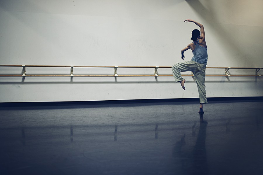 Born in Florida, Shiau was raised in Tainan, Taiwan, where her mother first took her to a dance studio at the age of eight. Immediately she was fascinated with the physicality of dance. She moved to New York at 18 after being accepted at the dance conservatory at SUNY Purchase College. She joined Hubbard Street in 2018. - MAX THOMSEN