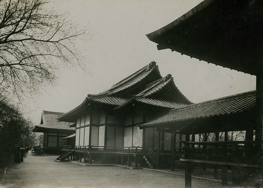 Show photo of Japanese temple on Wooded Island. The Osatos' teahouse and garden included restored buildings from the World's Columbian Exposition. - PERCY H. SLOAN; THE NEWBERRY LIBRARY; CHICAGO