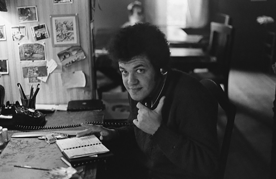 Mike Bloomfield makes a phone call from his home office in Mill Valley, just north of San Francisco, in January 1971. - PHOTO BY MARK NAFTALIN / COURTESY UNIVERSITY OF TEXAS PRESS