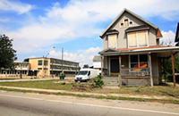 Segregation decreases but poverty increases in Chicago's black neighborhoods and other news