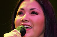 Ana Gabriel lives up to the title 'La Diva de América'