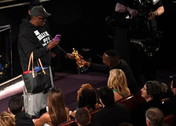 'Gary from Chicago' was the 'biggest star inside the 2017 Oscars,' and other news