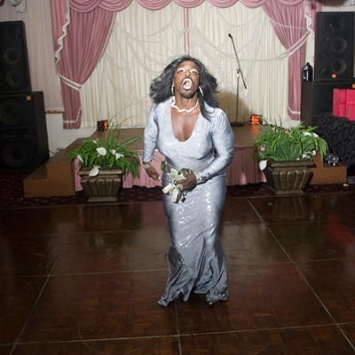 Vogueing in Chicago's gay, black ball scene