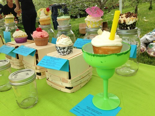 Best Cocktail Theme cupcake category