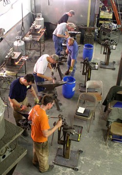 8c3a3420_blacksmith_class_at_center_for_metal_arts.jpg