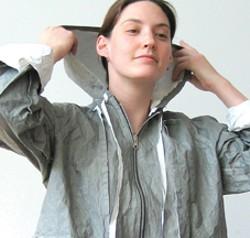 Coat with hood. Photo by Mau. - NANCY DONSKOJ