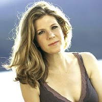 Dar Williams Holds Songwriting Retreat in Garrison