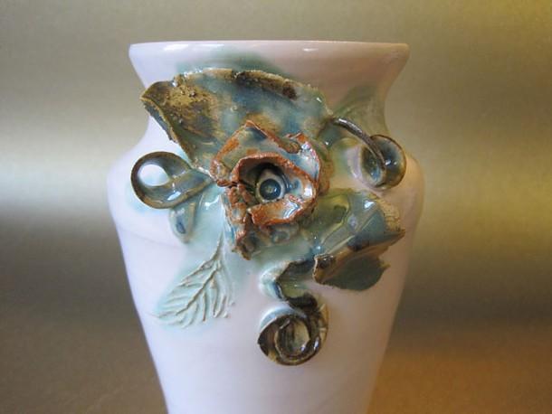 Erica Leigh Caginalp, Vase.