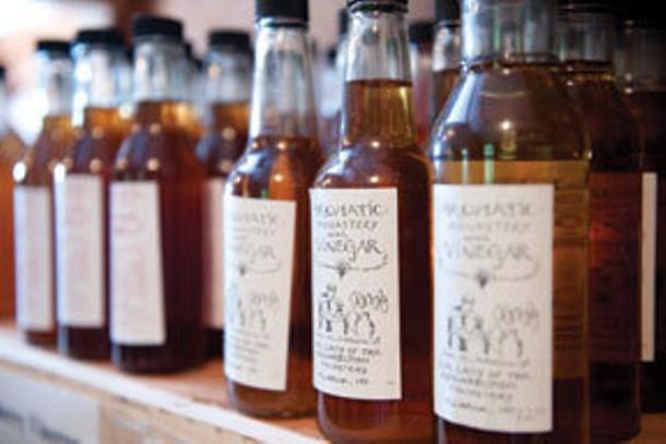 food_drink--bottledvinegar2.jpg