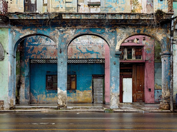 Havana Centro #7 (Avenida Simon Bolivar), 2009. Photo by ©Jeffrey Milstein, courtesy of Bonni Benrubi Gallery, NYC/ Kopeikin Gallery, LA.