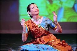 Janaki Patrik, SUNY Ulster's spring visiting artist, leads Kathak dance workshop.