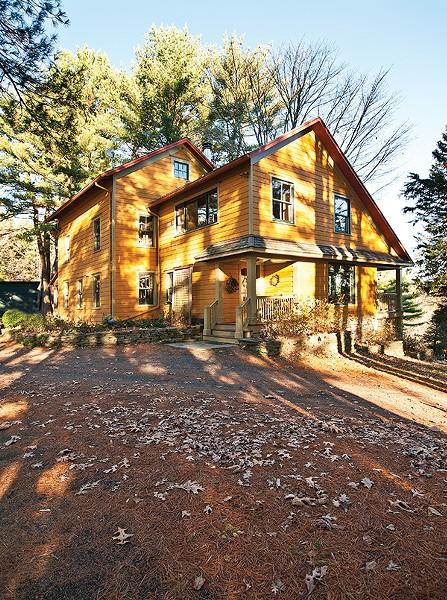 Jerry and Bettylou Vis' home in Rosendale. - DEBORAH DEGRAFFENREID