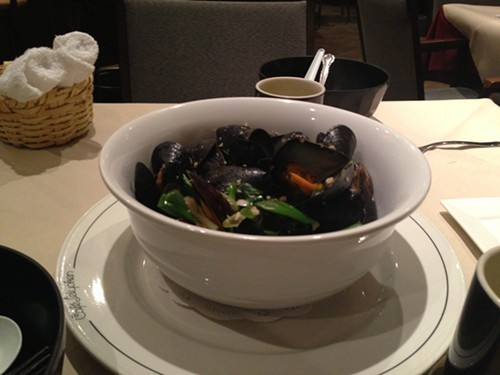 Mussels in teryaki sauce and sake